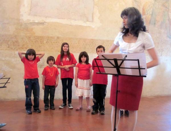 2011 Coro Voci-bianche Concerto del 02-06